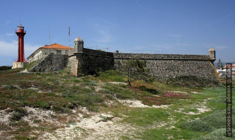 Phare et le Forte de São João Baptista à Esposendee. Photo © Alex Medwedeff