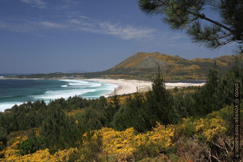 Praia de Area Maior sous le Monte Rodeiro. Photo © Alex Medwedeff