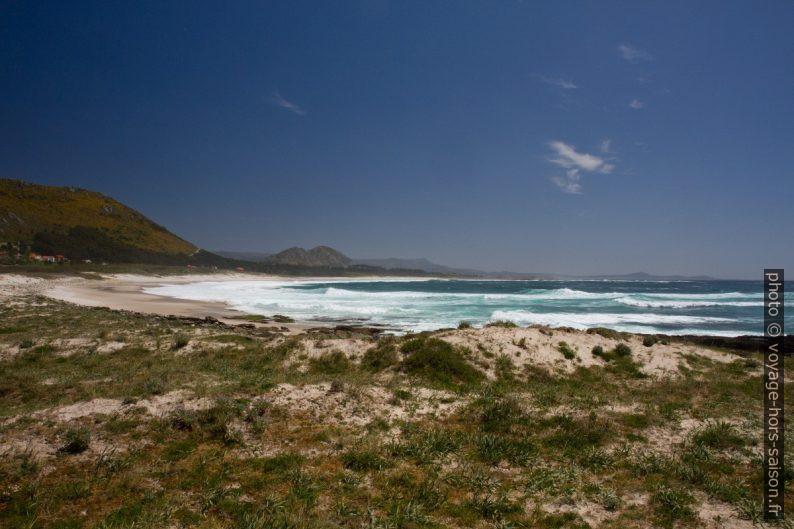 Praia do Lariño. Photo © Alex Medwedeff