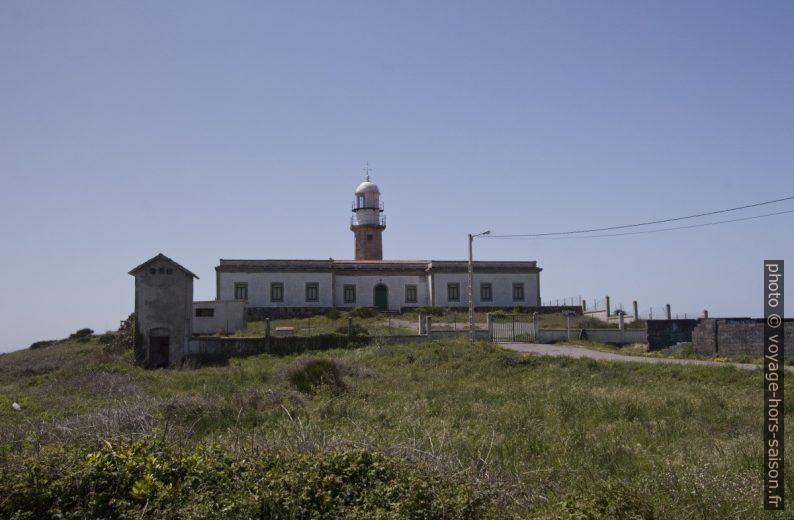 Phare et maison des gardiens de la Punta Ínsua. Photo © André M. Winter