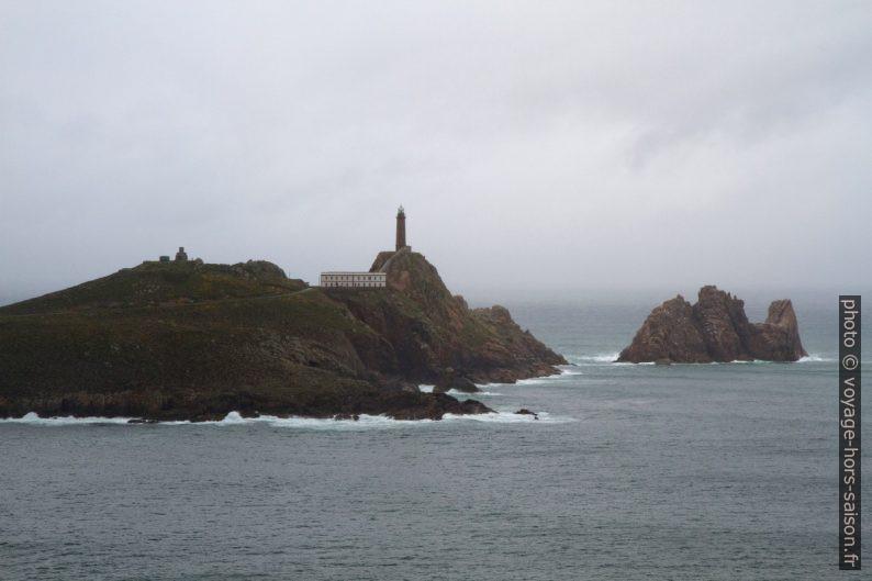 Cabo Vilán et Illa Vilán de Fóra. Photo © Alex Medwedeff