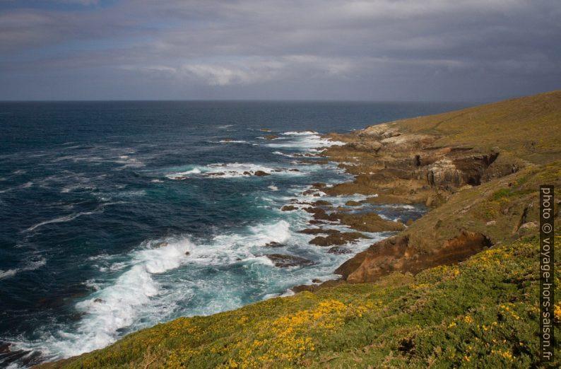 Côte du Cabo Santo Adrián. Photo © Alex Medwedeff