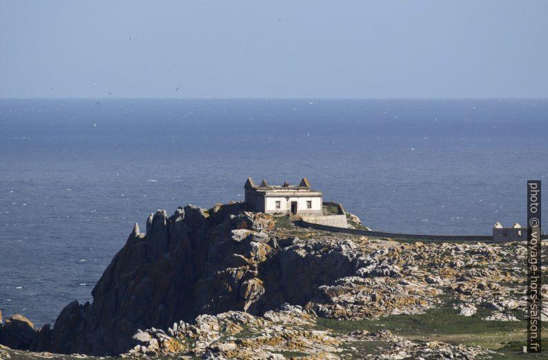 Ruines sur l'île Sisarga Grande. Photo © André M. Winter