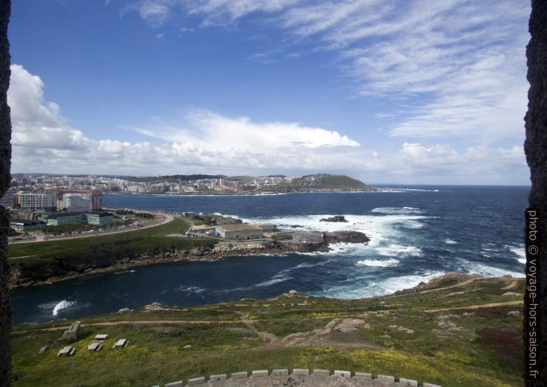 Baie des Lapas et l'aquarium de la Coruña. Photo © André M. Winter