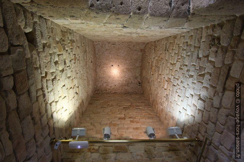 Une des voûtes dans la partie romaine de la Tour d'Hercule. Photo © André M. Winter