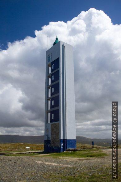 Le phare moderne de la Punta Frouxeira. Photo © Alex Medwedeff