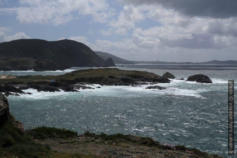 Presqu'île au sud-ouest de la Punta Frouxeira. Photo © Alex Medwedeff