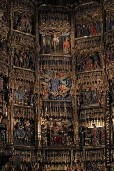 Scènes du retable de la cathédrale d'Oviedo. Photo © Alex Medwedeff
