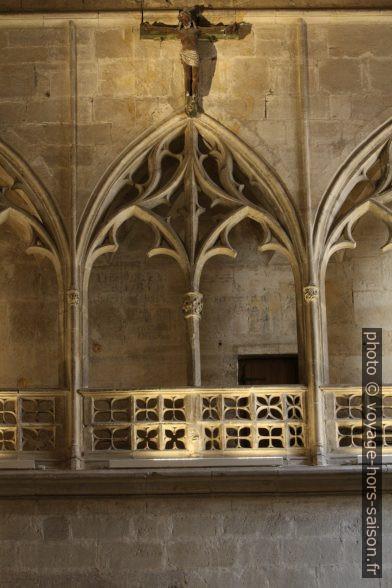 Détail de la galerie du transept de la cathédrale d'Oviedo. Photo © André M. Winter