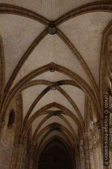 Voûte du cloître de la cathédrale d'Oviedo. Photo © André M. Winter