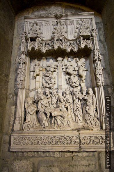 Sculpture Descente de croix dans le cloître d'Oviedo. Photo © André M. Winter