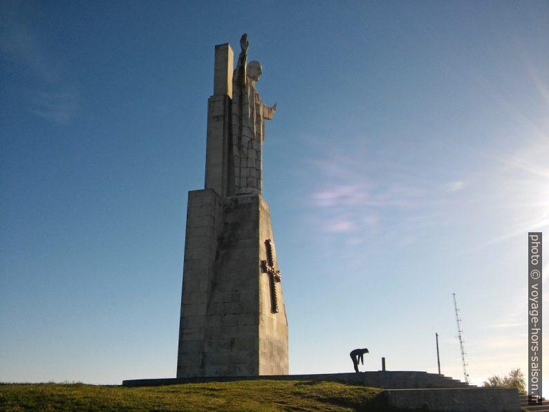 Le monstrueux Monumento al Sagrado Corazón de Jesús. Photo © André M. Winter