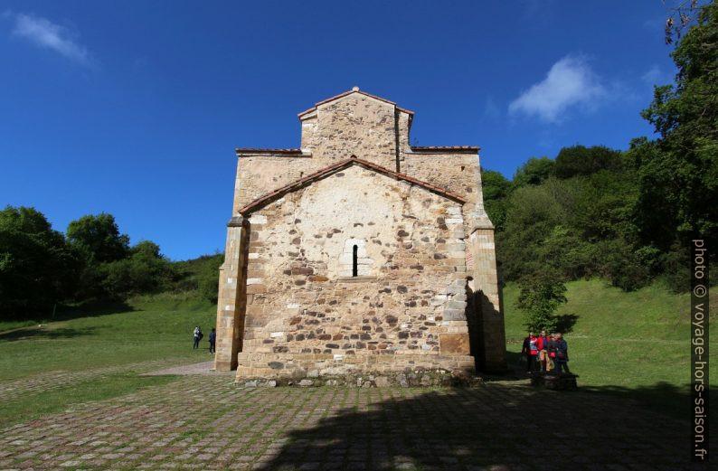Côté écroulé de l'église Saint-Michel-de-Lillo d'Oviedo. Photo © André M. Winter