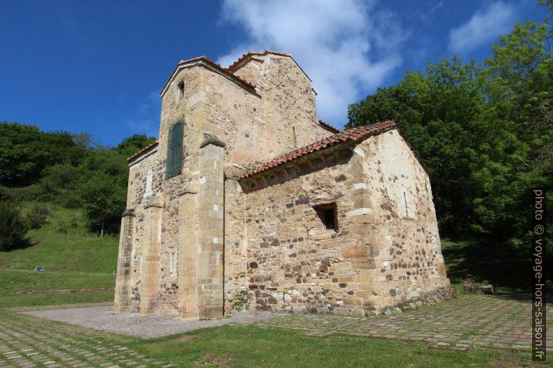 Église Saint-Michel-de-Lillo d'Oviedo tronquée. Photo © André M. Winter