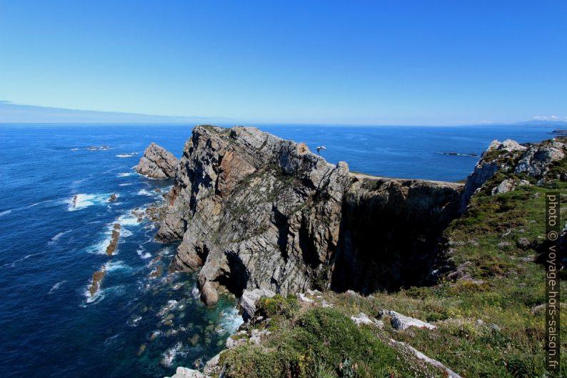 Pointe rocheuse du Cabo de Peñas. Photo © André M. Winter