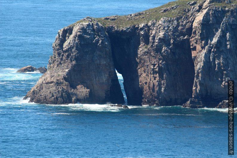 Arche rocheuse au sud de la Isla Erbosa. Photo © André M. Winter