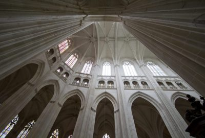 Voûtes du transept de la Cathédrale Saint-Pierre-et-Saint-Paul de Nantes. Photo © Alex Medwedeff
