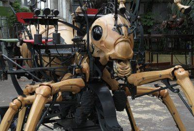 Un insecte géant dans la Galerie des Machines de Nantes. Photo © Alex Medwedeff