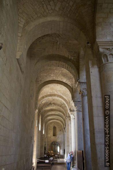 Un bas-côté de l'église abbatiale de Sant'Antimo. Photo © André M. Winter