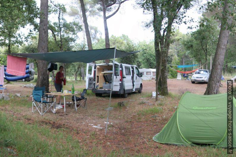 Notre Trafic installé au Camping de la Bergerie à Vence. Photo © André M. Winter