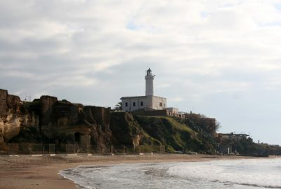 Phare d'Anzio. Photo © André M. Winter