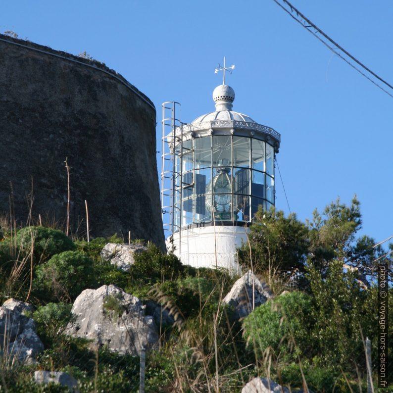 Lanterne du Phare du Capo Palinuro. Photo © André M. Winter