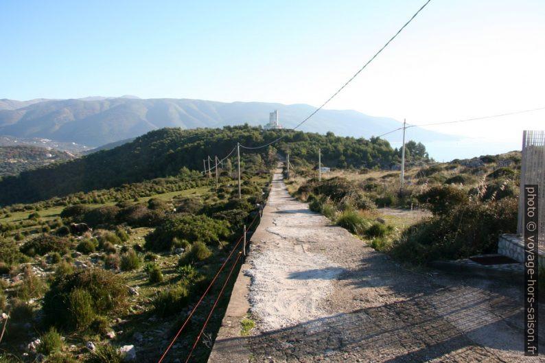 Tour de la station météorologique au Cap Palinuro. Photo © André M. Winter