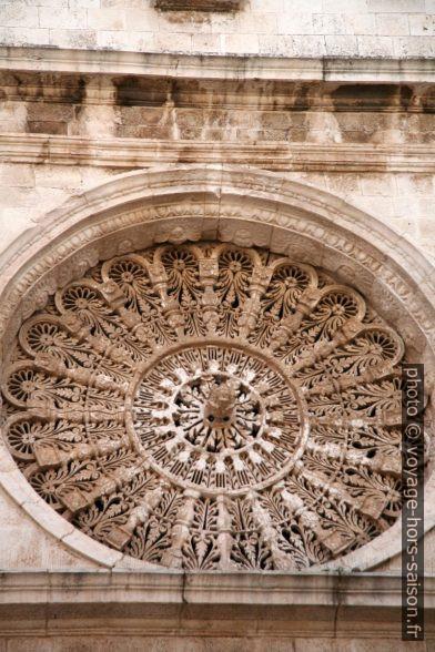 Rosace de l'église de San Domenico à Monopoli. Photo © Alex Medwedeff