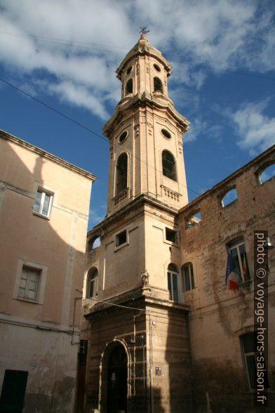 Clocher de l'église de San Domenico à Monopoli. Photo © André M. Winter