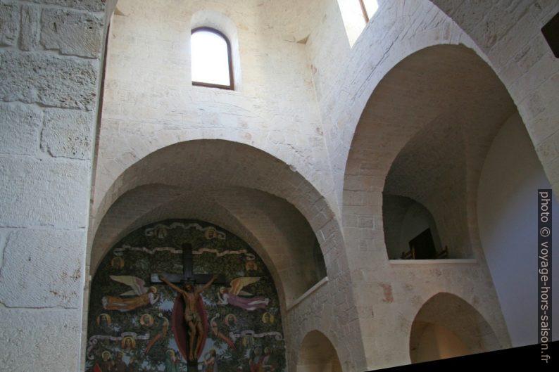 Intérieur de l'église San Antonio d'Alberobello. Photo © André M. Winter