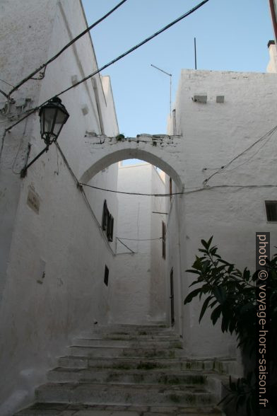 Ville blanche d'Ostuni. Photo © Alex Medwedeff