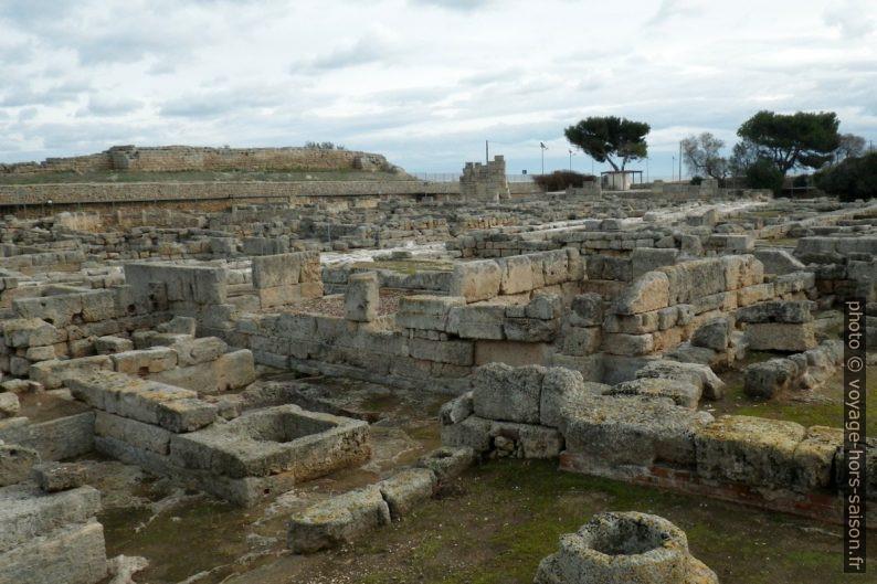 Ville romaine d'Egnazia avec la Via Traiana. Photo © André M. Winter