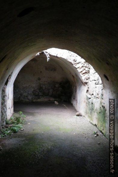Dans les cryptoportiques d'Egnazia. Photo © André M. Winter