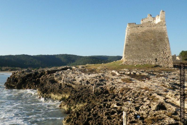 Torre di Sfinale vue de la pointe du cap. Photo © André M. Winter