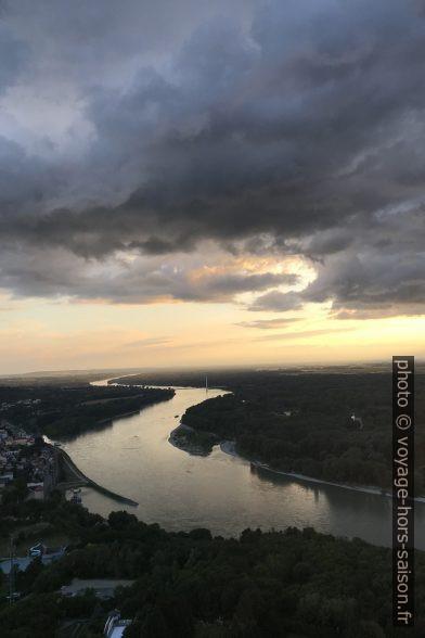Le Danube à Hainburg après un orage estival. Photo © Alex Medwedeff