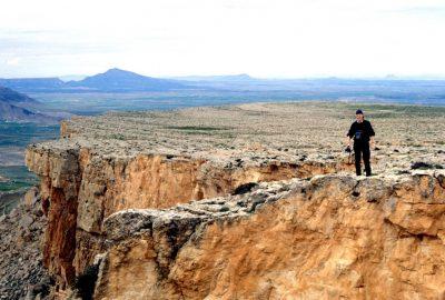 Leonhard sur un abrupt du versant sud de la Table de Jugurtha. Photo © André M. Winter