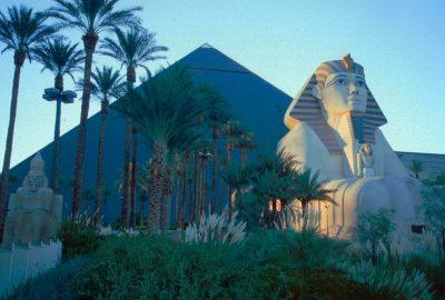 Le Luxor à Las Vegas. Photo © André M. Winter