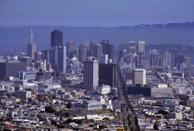 Vue sur le Financial District de San Francisco. Photo © André M. Winter