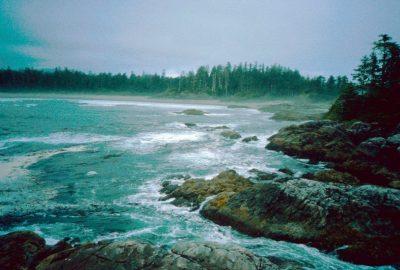 Kutcous Point au sud de Flores Island. Photo © André M. Winter
