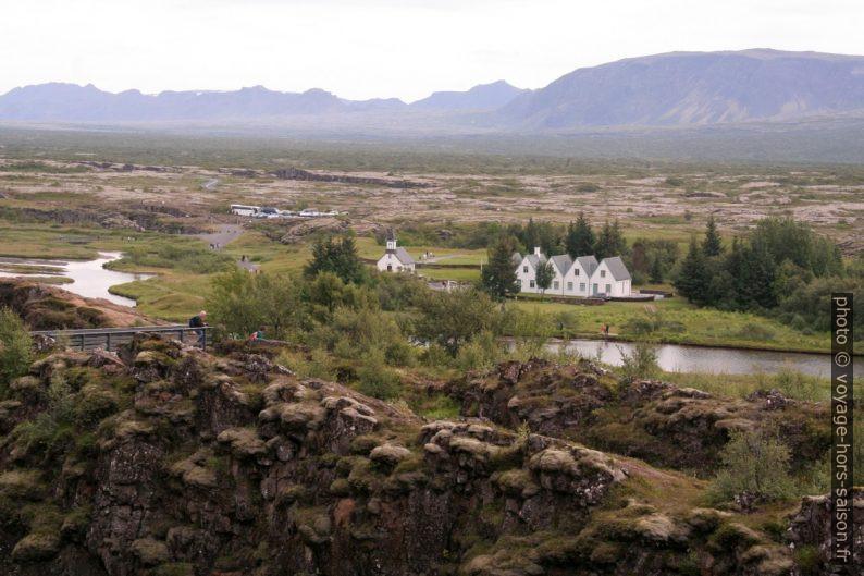 Þingvallabær vu de la faille normale de Þingvellir. Photo © André M. Winter