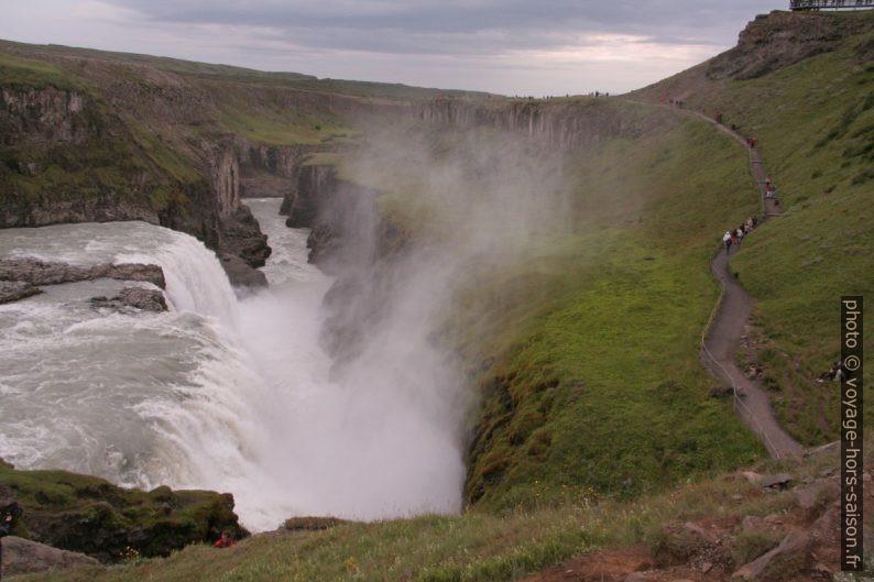 Embrun de la cascade basse du Gullfoss. Photo © André M. Winter