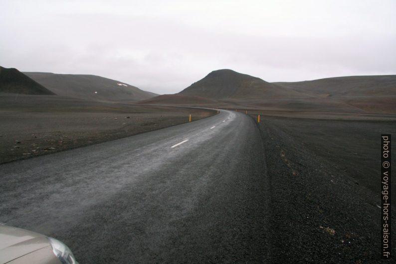 Route 1 sur les plateaux d'Islande de l'est. Photo © André M. Winter