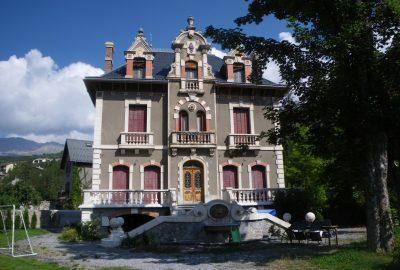 Villa mexicaine à Barcelonnette. Photo © André M. Winter