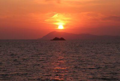 Coucher de soleil sur le Cap Sicié. Photo © André M. Winter