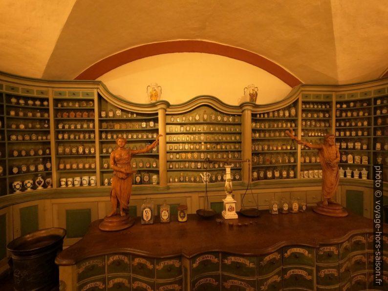 Pharmacie baroque du monastère de Schwarzach début 18e. Photo © André M. Winter