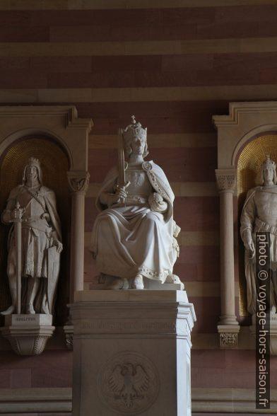 Statue de Rudolf de Habsbourg. Photo © Alex Medwedeff