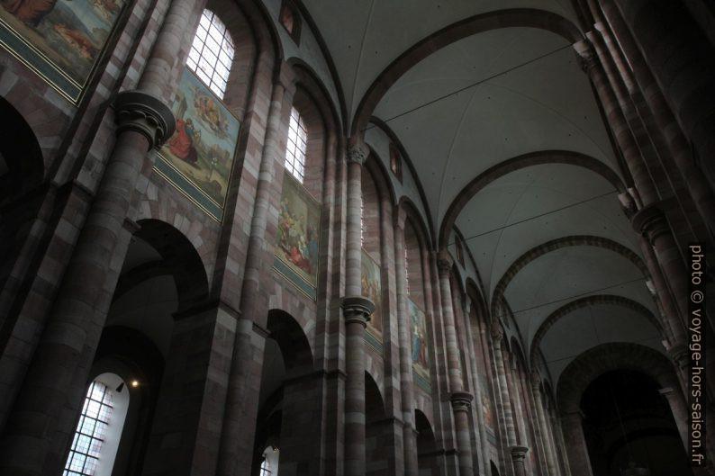 Voûtes de la nef de la cathédrale de Speyer. Photo © Alex Medwedeff