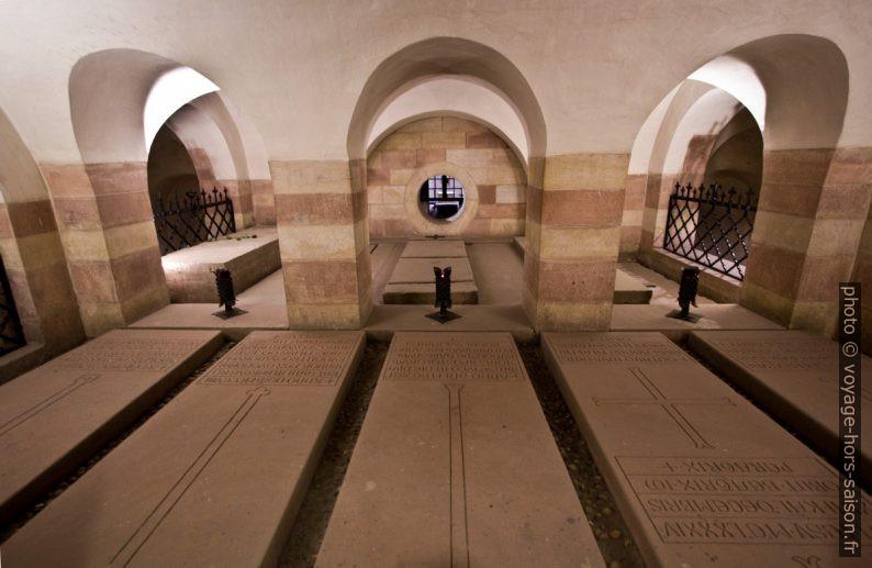 Tombes dans la crypte de la cathédrale de Speyer. Photo © André M. Winter
