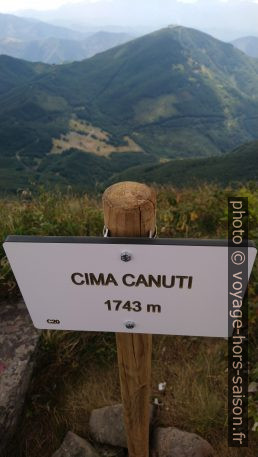 Marque du sommet de la Cima Canuti. Photo © André M. Winter
