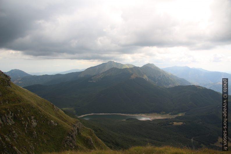 Le Lago Paduli et le Monte Alto. Photo © André M. Winter